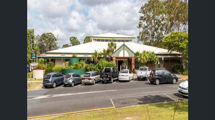 commercial property lease 4 year qld document